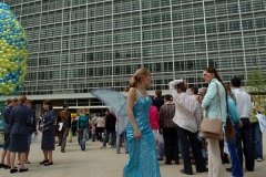 EU executive to open its doors on 5 May