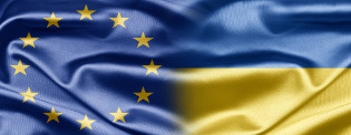 Merged EU and Ukrainian flags © EU