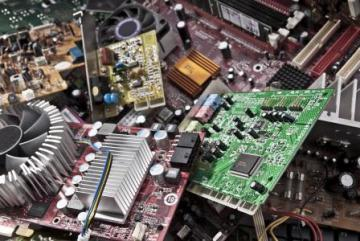 Disassembled electronic parts © EU