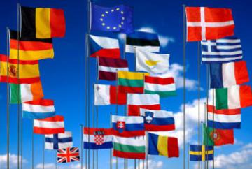 Flags of the 28 EU-Member States and the European flag © EU