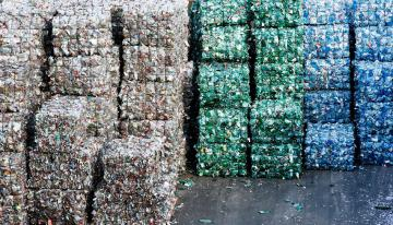 Recycling stacks © EU