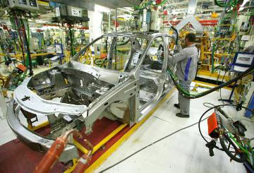 A production chain in a car factory © EU