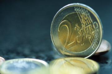 A two euro coin © EU