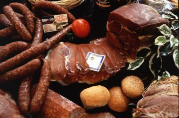Food with the EU geographical indication label © EU