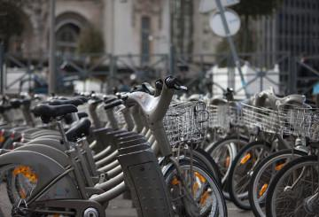 Bikesharing station in a city © EU