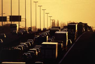 Cars in a traffic jam © EU