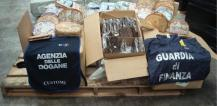 Counterfeit goods seized in Genoa, Italy © EU