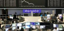 Brokers at Frankfurt stock exchange © EU