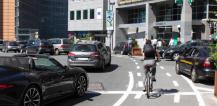 Cyclist in street traffic © EU