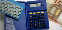 Calculator and 50 euro note © EU