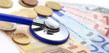 Stethoscope on euro coins and banknotes © EU