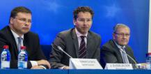 From left to right: Mr Valdis DOMBROVSKIS, Vice President of the European Commission; Mr Jeroen DIJSSELBLOEM, President of the Eurogroup; Mr Klaus REGLING, European Stability Mechanism Managing Director