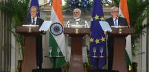 Mr Donald TUSK, President of the European Council; Mr Narendra MODI, Prime Minister of India; Mr Jean-Claude JUNCKER, President of the European Commission. © EU